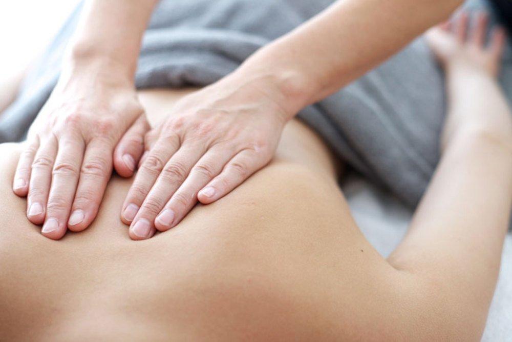 Atpalaiduojantis nugaros ir kojų masažas